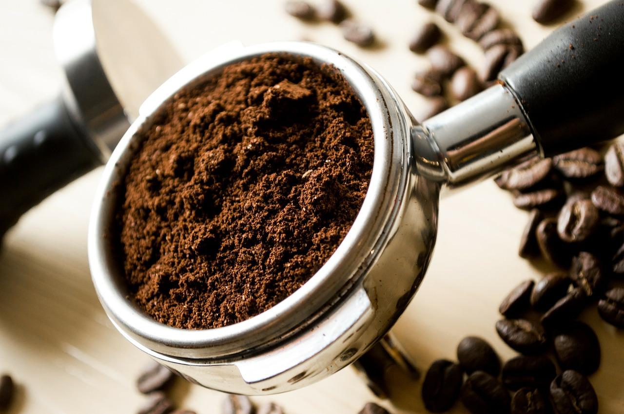 Dejte si před tréninkem kávu